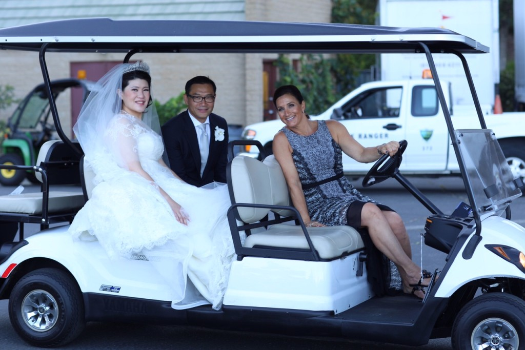 MD_golfcart_bride_groom