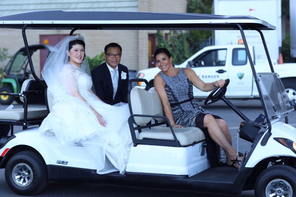 MD_golfcart_bride_groom